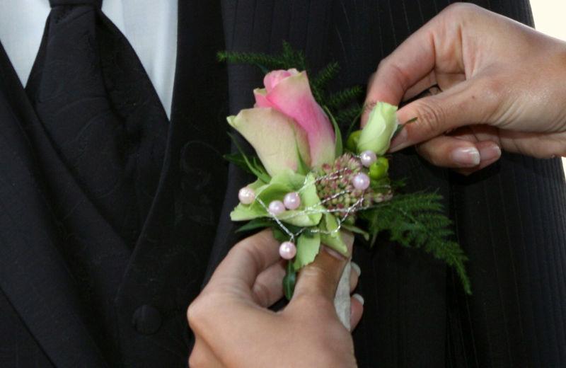 Beispiel: Anstecker für den Bräutigam, Foto: myflower.