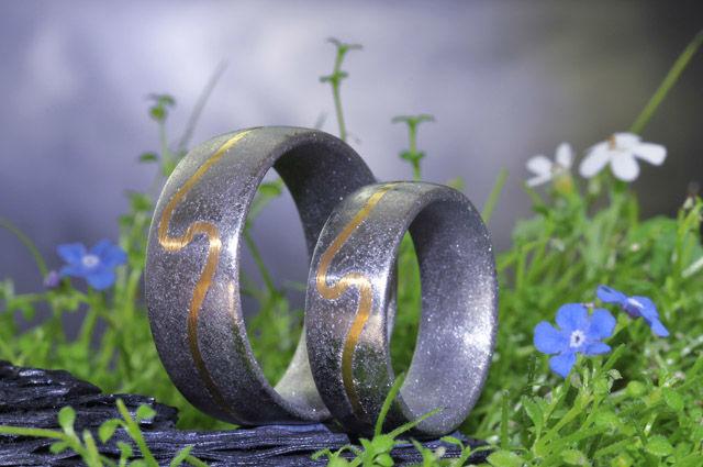 Beispiel: Eheringe, Foto: Elfenmetall.