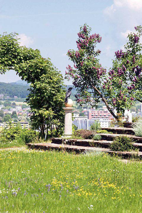 Der märchenhafte Schlossgarten, Foto: Hotel Schloss Mönchstein.