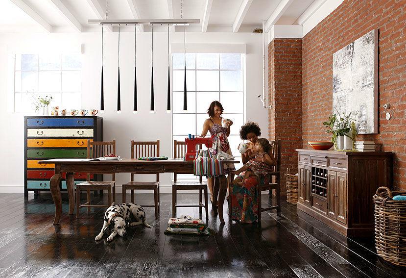 Comedor Vintage Women  Ambiente de Comedor Completo: 4 Sillas (74563). Mesa de Comedor (74412). Aparador (74960). Comoda (73984)