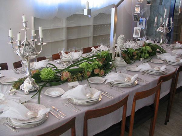 Beispiel: Hochzeitsgestecke, Foto: Blumen Kamm.