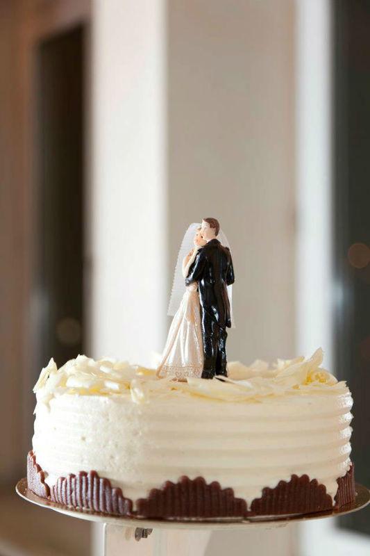 Beispiel: Hochzeitstorte, Foto: Stadtgasthof Grüner Kranz.