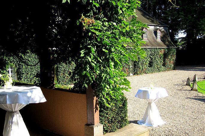 Beispiel: Stehempfang im Innenhof, Foto: Schloss Eicherhof.