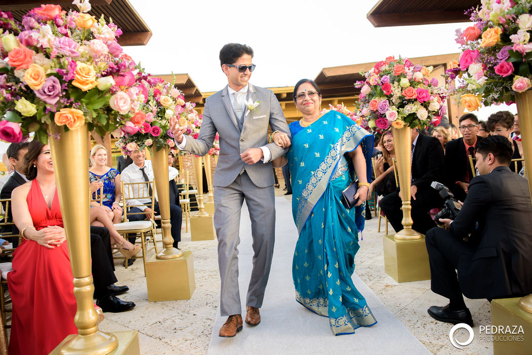 Mama &Novio Hindu