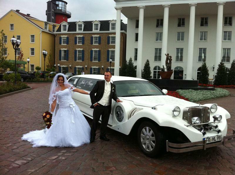 Beispiel: Hochzeitslimousine Excalibur, Foto: FUN-LIMOS Limousinenservice & Chauffeurdienst.