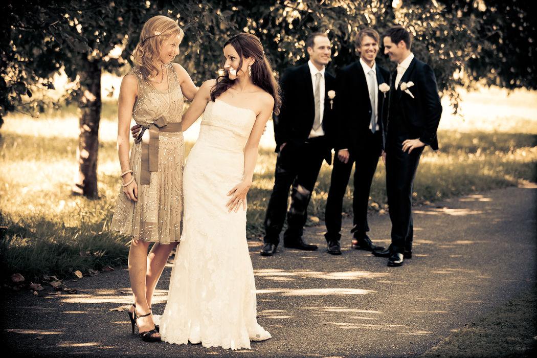 gestellt - ungestellte Hochzeitsfotos
