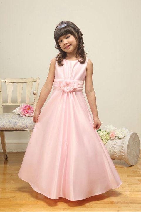 Beispiel: Kleidchen fürs Fest, Foto: Julias Traumboutique.