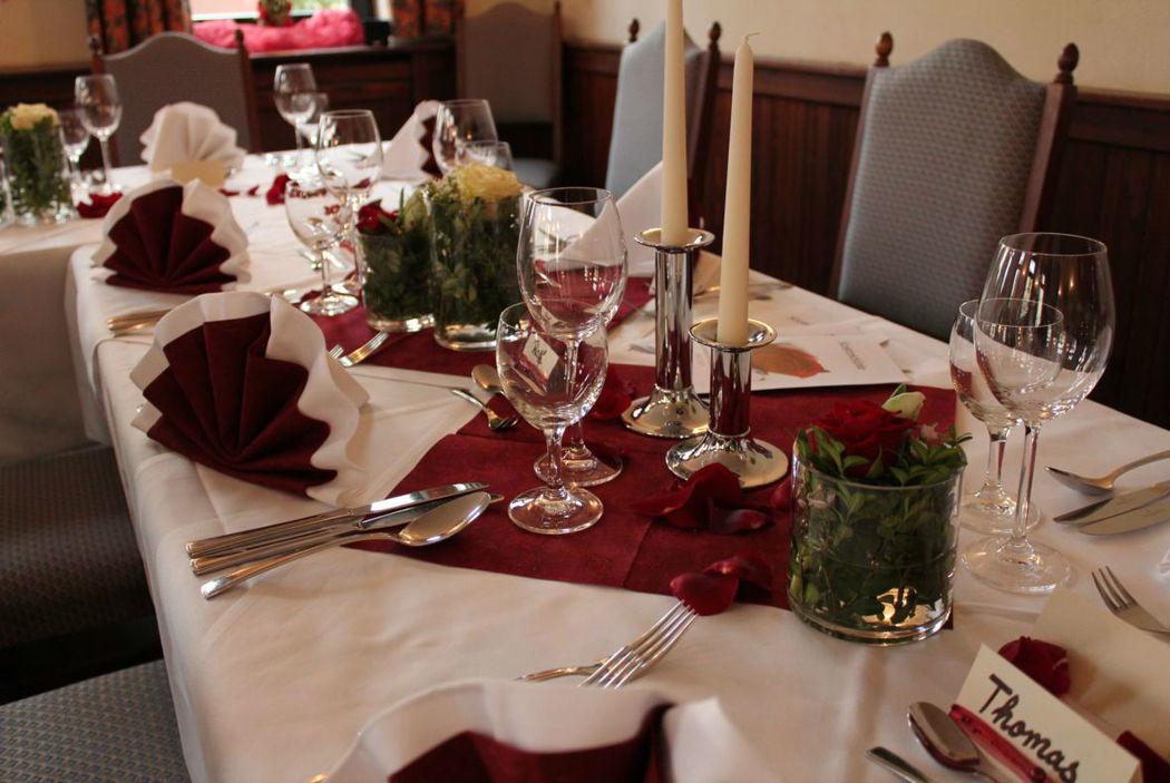 Beispiel: Klosterstube - Hochzeitsdekoration, Foto: Hotel Restaurant Klosterhof.
