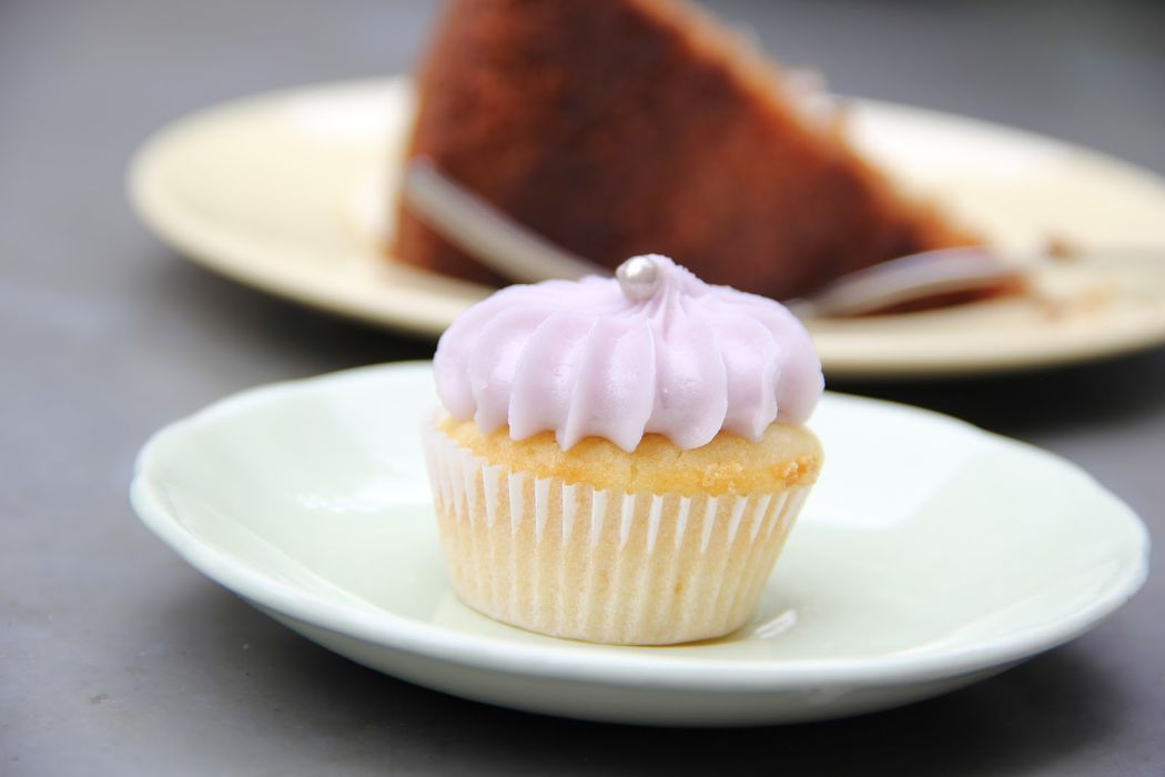 Mini cupcake de limón, queso y lavanda.