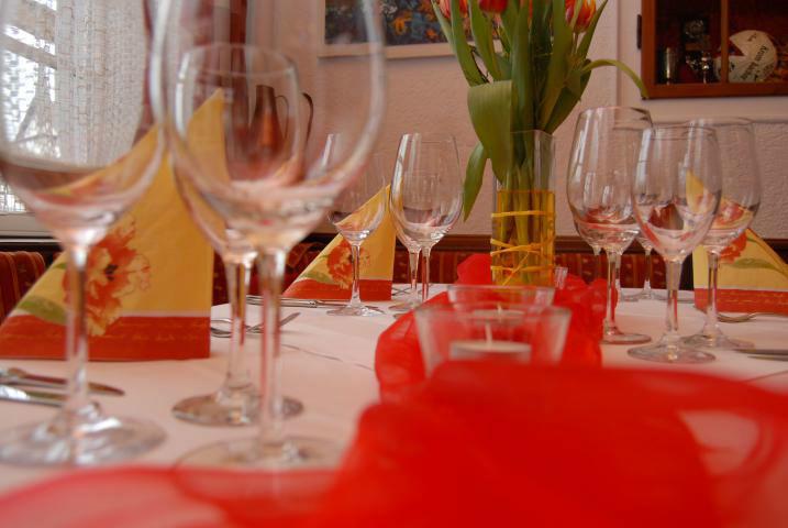 Beispiel: Tischdekoration, Foto: Landgasthof Rössle.