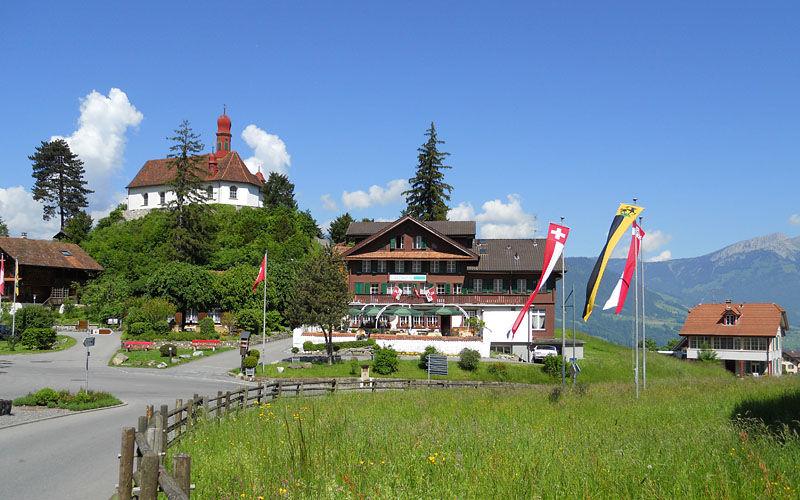 Beispiel: Aussenansicht, Foto: Jugendstil-Hotel Paxmontana.