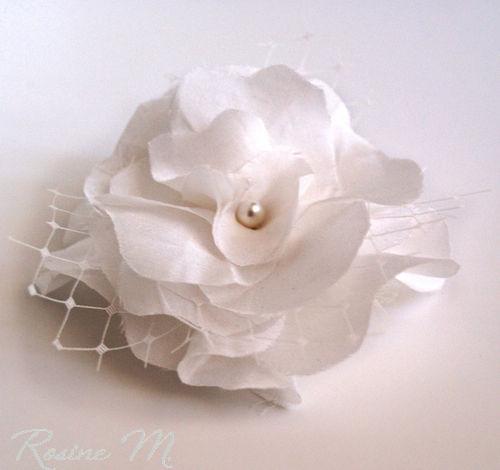 Beispiel: Haarblume, Foto: Rosine M. Brautaccessoires.
