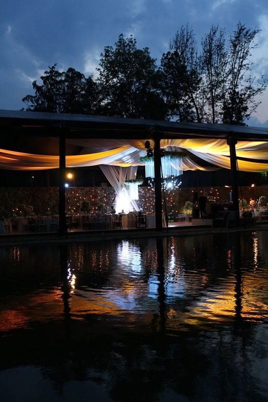 ::BODA:: Lugar: Casa Dos Lagos, Oaxaca, Oax. Carpa negra con cortinas transparentes.