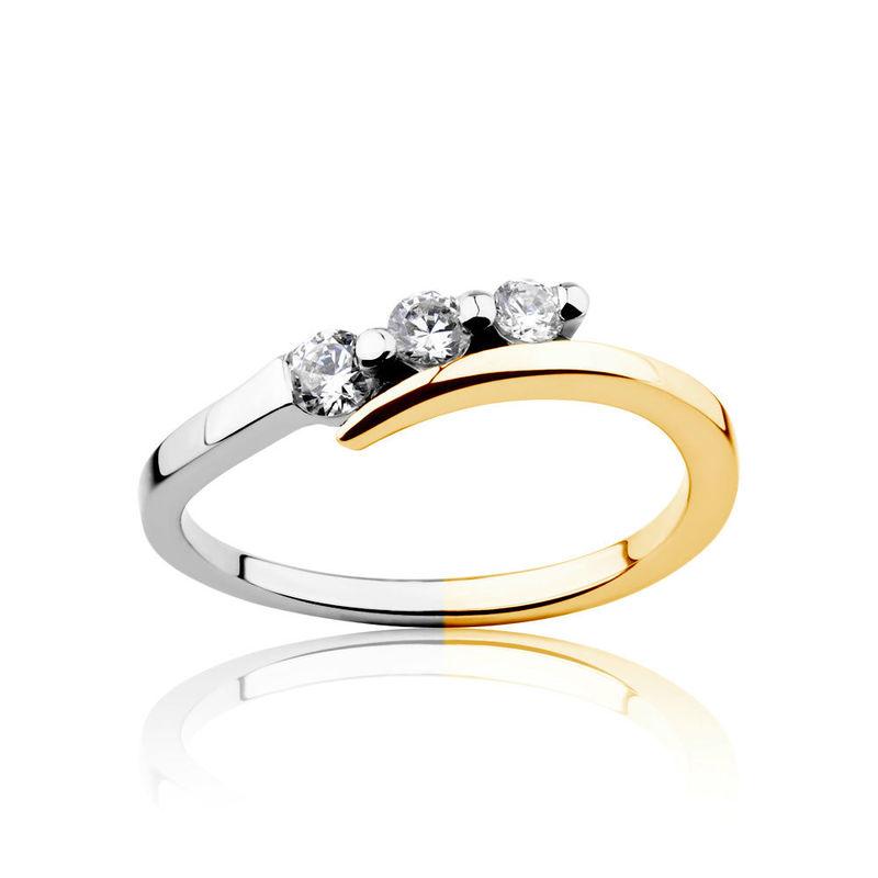Pierścionek z dwukolorowego złota z diamentami