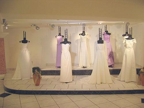 Beispiel: Eindrücke vom Ladengeschäft, Foto: Fabula Brautmode.