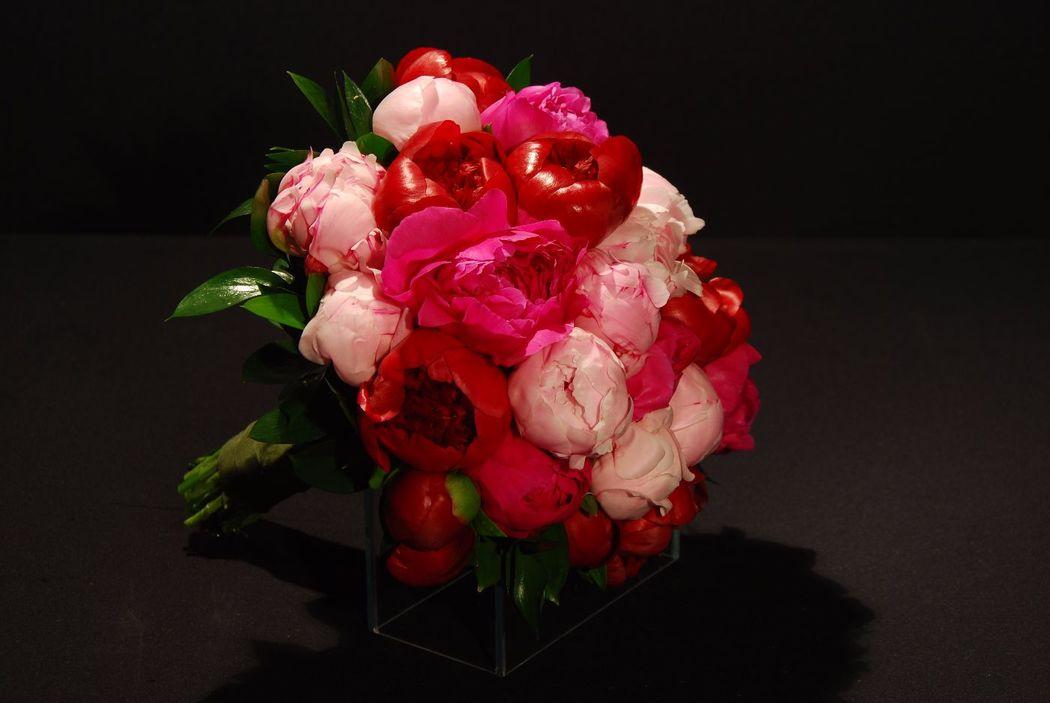 Buquê de Peônias Rosa, Pink e Vermelha