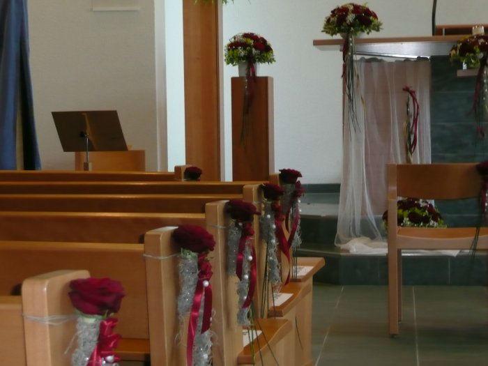 Beispiel: Florale Kirchendekoration, Foto: Blumenhus Spaltenstein.