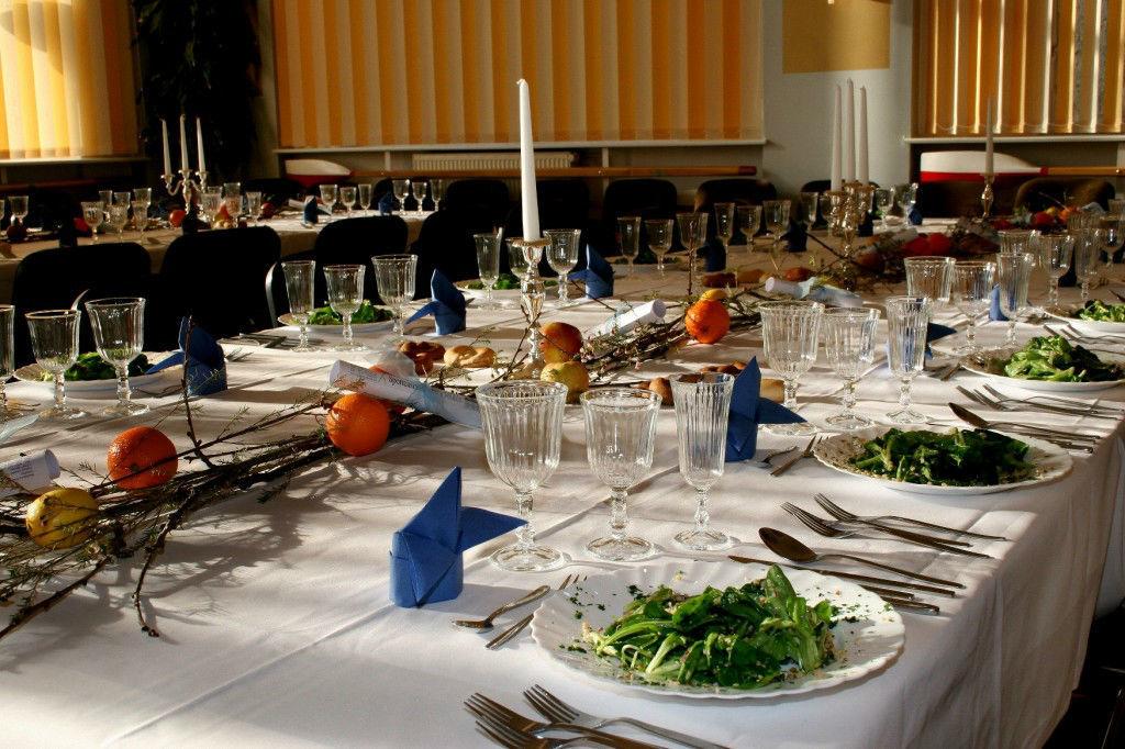 Beispiel: Hochzeitstafel, Foto: Gasthaus Hahn's Mühle.