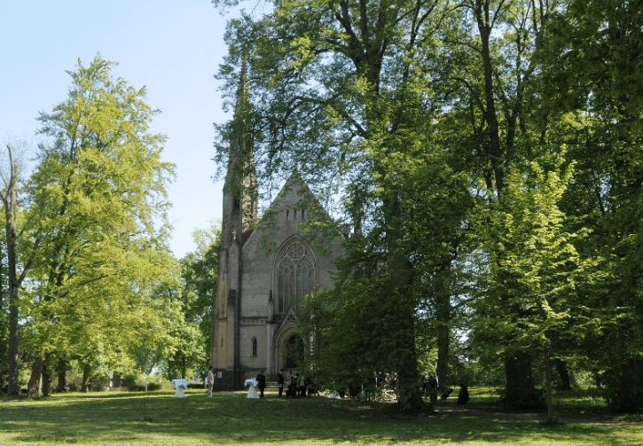 Beispiel: Eventkirche - Außenansicht, Foto: Eventkirche Schloss Kröchlendorff.