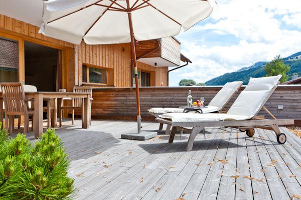 Beispiel: Chalet Terrasse, Foto: Dorfhaus Thalkirchhof.