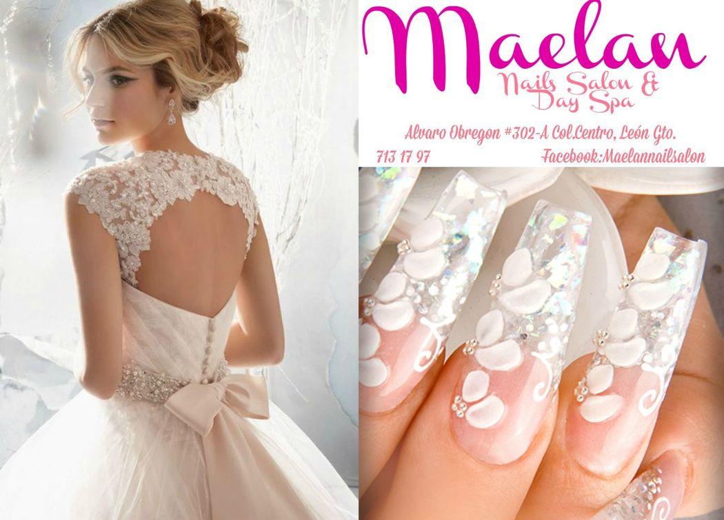 Uñas con diseño exclusivo para novia blanco con flores