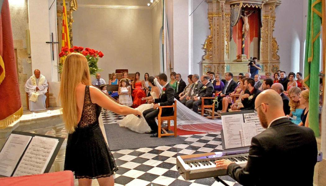 Ceremonia religiosa en la ermita de Santa Cristina de Lloret de Mar (Girona)