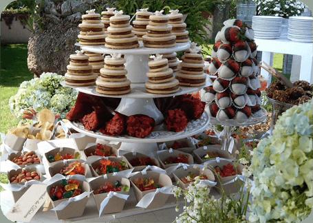 Mesa de dulces y enchilados por Dulces Besos