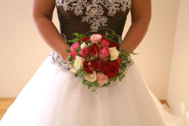 Beispiel: Brautstrauß, Foto: Hochzeitsblumen.ch.