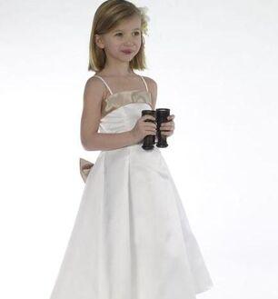 Beispiel: Blumenkinder-Kleider, Foto: Brautmode Online.