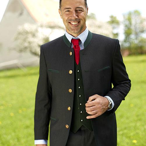 Beispiel: Ihre Hochzeitstracht, Foto: Schöffmann Mode.