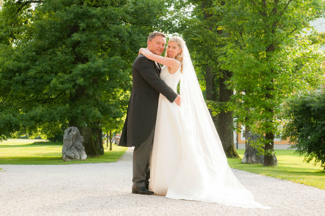 kirchliche Hochzeit Salzburg - Brautpaar Hochzeitsplaner Prime Moments - Foto Beatrice Contrini