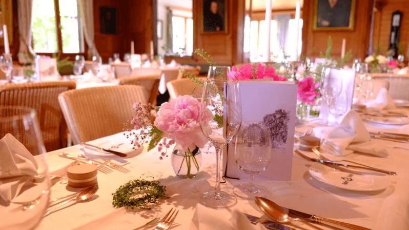 Beispiel: Tischdekoration, Foto: Hotel Hirschen Schwarzenberg.