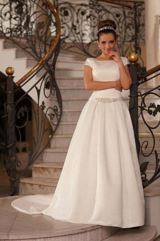 Lisa Ferrera LF709