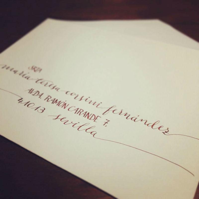 Caligrafía en invitación