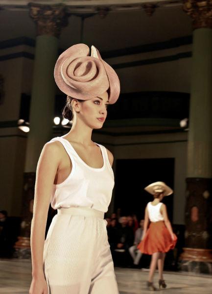 Diseño de sombrero de Patricia Buffuna