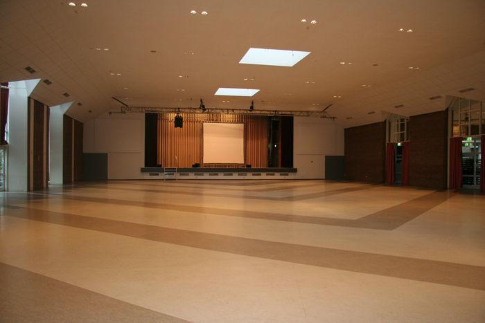Beispiel: Innenraum - Saal, Foto: Rheingoldhalle Mannheim.