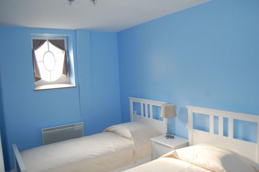 gite des communs (8 chambres) chambre bleue