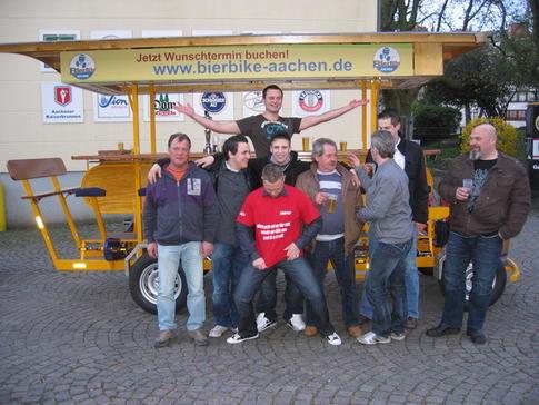 Beispiel: Partyfahrrad auch für Ihre Veranstaltung, Foto: BierBike Aachen.