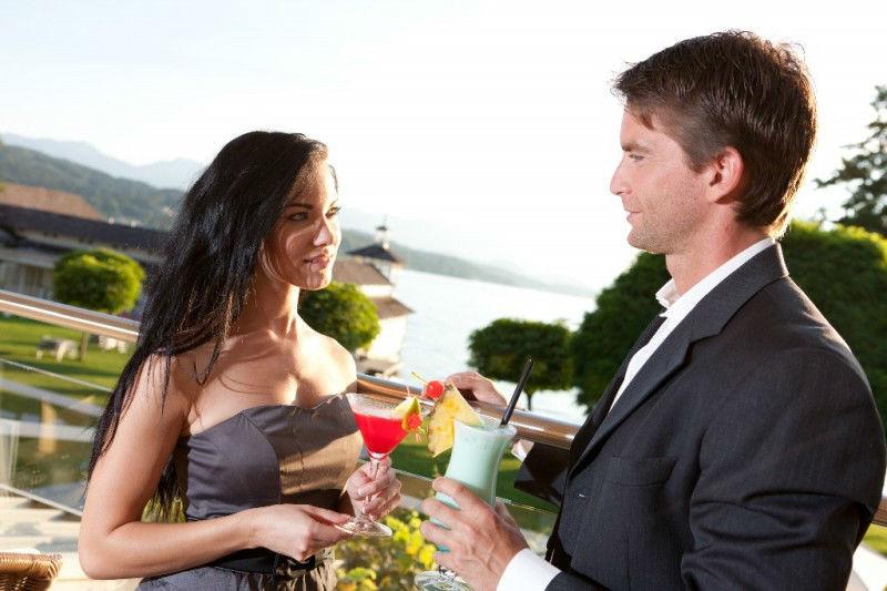 Beispiel: Exotische Cocktails auf der Terrasse, Foto: Hotel Werzer's.