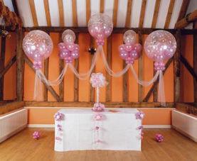 Beispiel: Ballondekoration Location, Foto: Ballon Werkstatt.
