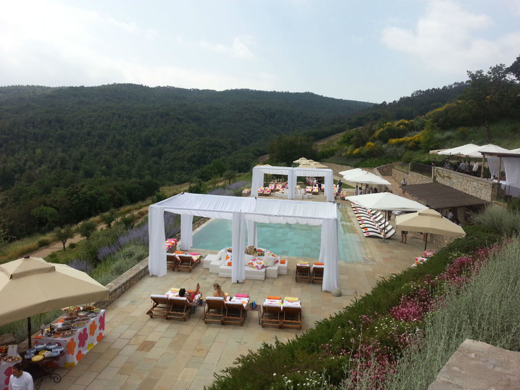 Lux Pool party in toscana - Rossodisera Events