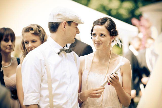 perfekt abgestimmte Gäste einer vintage Hochzeit