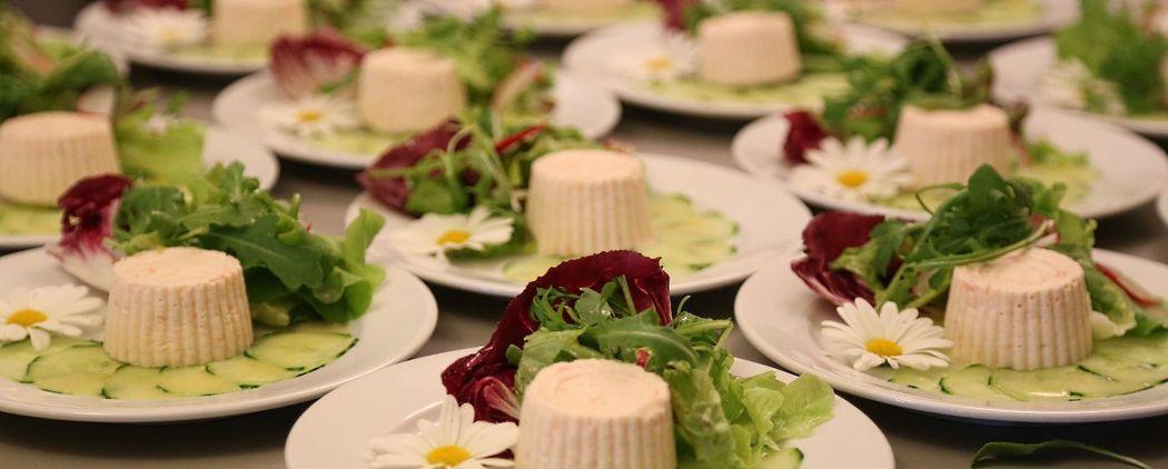 Schön dekorierte Vorspeisen im Reberhaus Bolligen, Gourmetbox Catering