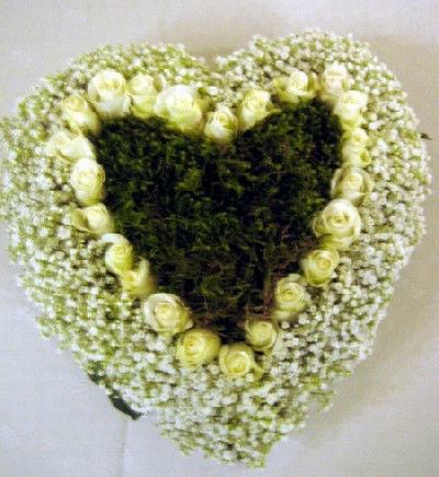 Beispiel: Ringkissen aus Blumen, Foto: Blumen Kleissner.