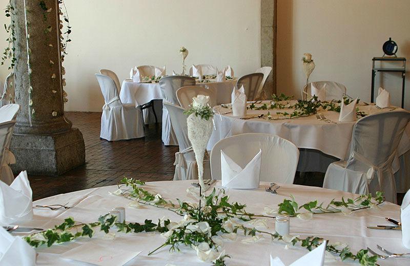 Beispiel: Dekoration der Hochzeitslocation, Foto: myflower.