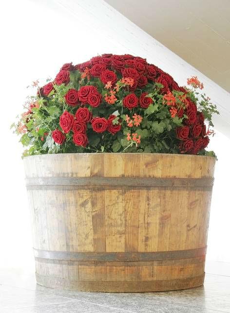 Beispiel: Blumendekoration aus Rosen, Foto: Sarah Marx Eventfloristik.