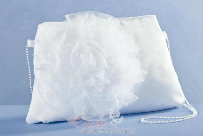 Beispiel: Tragetasche für die Braut, Foto: Gaia Brautaccessoires.