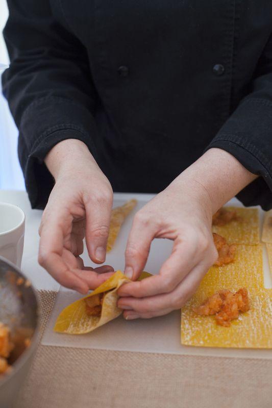 Des animations culinaires : réalisation de ravioles devant les convives - Dans votre petite cuisine