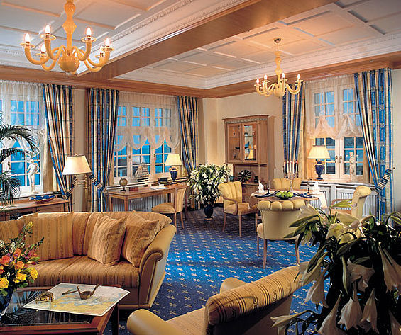 Beispiel: Kurhaus Suite, Foto: Travel Charme Kurhaus Binz.