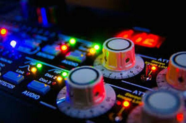 Beispiel: Equipment, Foto: DJ Mike Kappu.